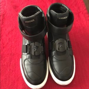 Versace Size 40 Boots